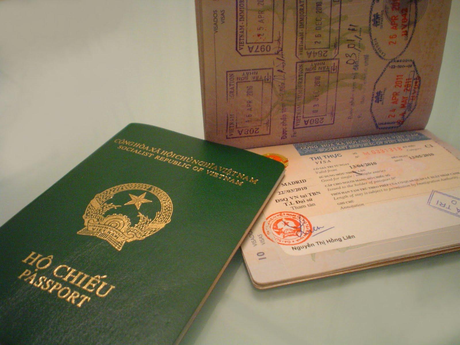 Thông Báo Có Quốc Tịch Nước Ngoài Và Việc Sử Dụng 02 Hộ Chiếu Khi Làm Thủ Tục Xuất Nhập Cảnh Tại Việt Nam