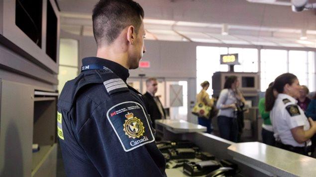 Cảnh Sát Cửa Khẩu Canada Cảnh Báo Vấn Đề Lừa Đảo Đang Nhắm Vào Người Mới Nhập Cư