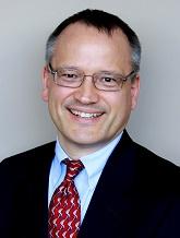 Luật sư đầu tư di trú EB5 hàng đầu Hoa Kỳ Cletus M. Weber sẽ trình bày những khía cạnh quan trọng trong bộ hồ sơ đầu tư EB5 và các khía cạnh di trú của chương trình