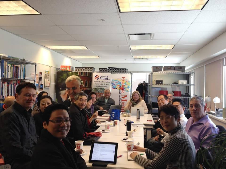 """Chương Trình """"Hive/ Business Mentorship"""" Hỗ Trợ Lớn Cho Các Doanh Nhân Mới Nhập Cư Canada"""