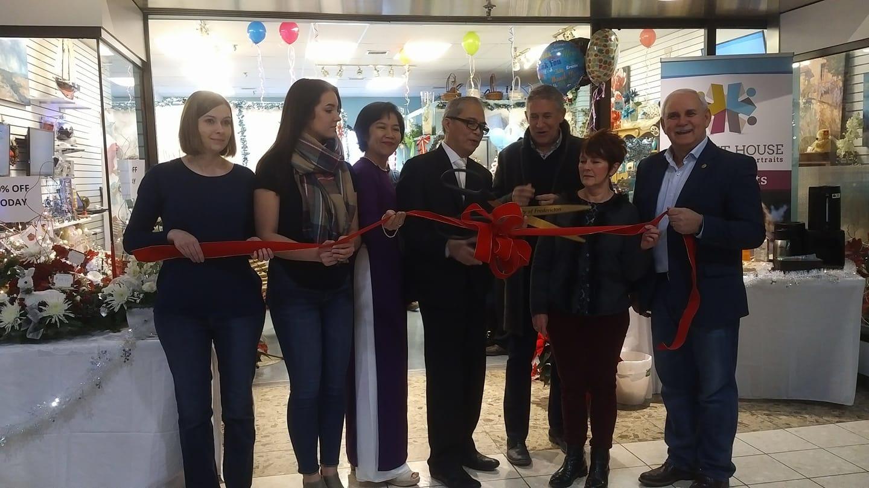 Giấc Mơ Thủ Công Mỹ Nghệ Việt Tại Canada