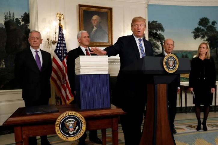 Tổng Thống Mỹ Yêu Cầu Ngưng Cấp Quyền Công Dân Cho Trẻ Em Nước Ngoài Sinh Tại Mỹ
