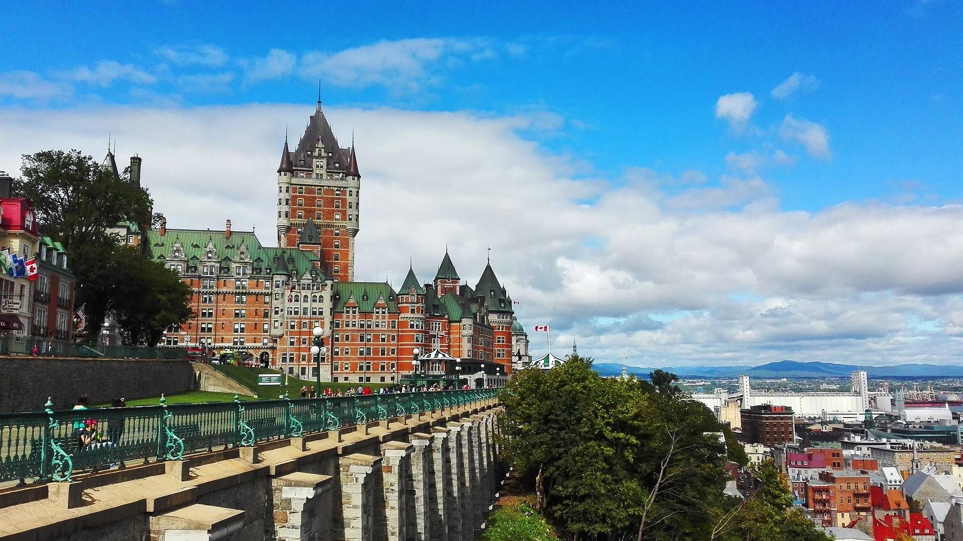 Chương Trình Định Cư Diện Đầu Tư Quebec (QIIP) Mở Cửa Trở Lại