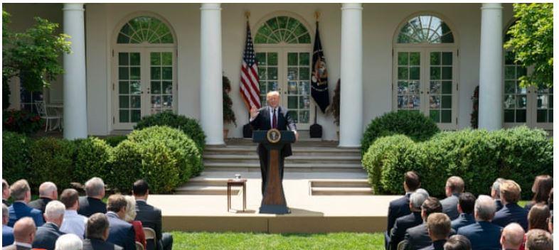 Tổng Thống Mỹ Đề Xuất Cắt Giảm 50% Số Lượng Visa Cấp Cho Diện Bảo Lãnh Gia Đình Trong Tương Lai