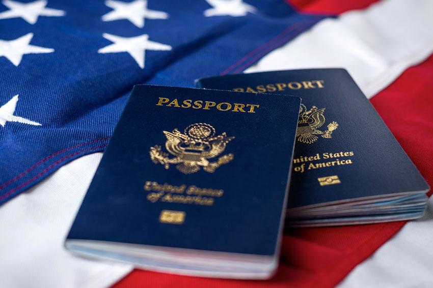 Định Cư Mỹ Có Được 2 Quốc Tịch: Ưu Và Nhược Điểm?