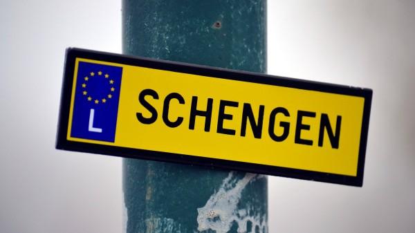 Có Nên Định Cư Ở Châu Âu? Định Cư Nước Nào Dễ Nhất Tại Châu Âu Năm 2021