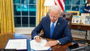Tổng Thống Mỹ Ký Dự Luật Ngân Sách Tạm Thời Giúp Ngăn Chặn Việc Chính Phủ Đóng Cửa